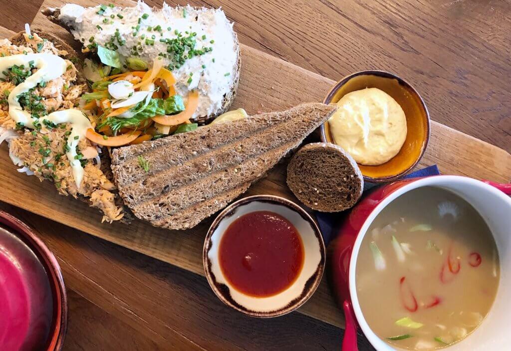 6 redenen waarom soms buiten de deur werken een goed idee is heerlijke lunch bij STAGE Kitchen&Café