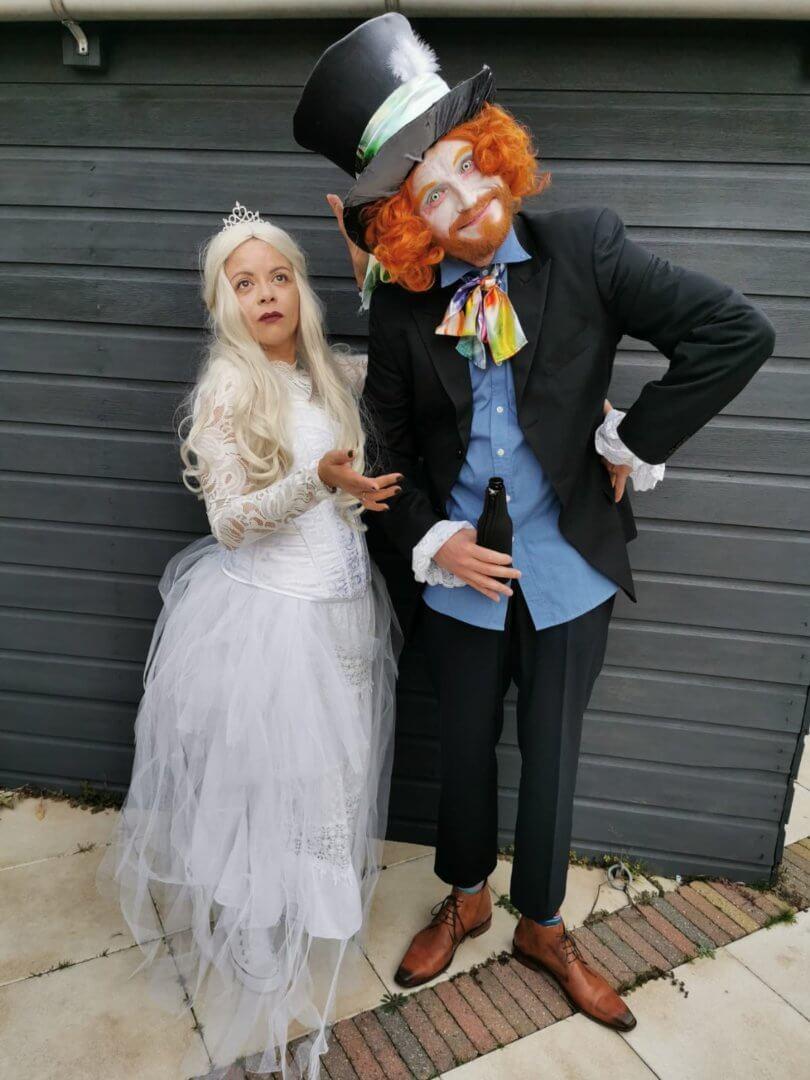 Helemaal in onze rollen tijdens mijn Halloween Party