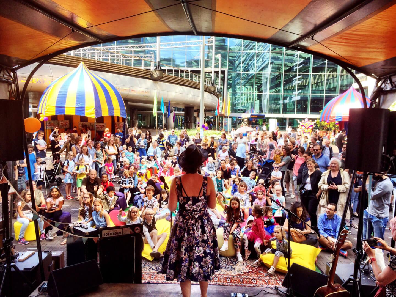 leuke optredens tijdens het kinderboekenfestival