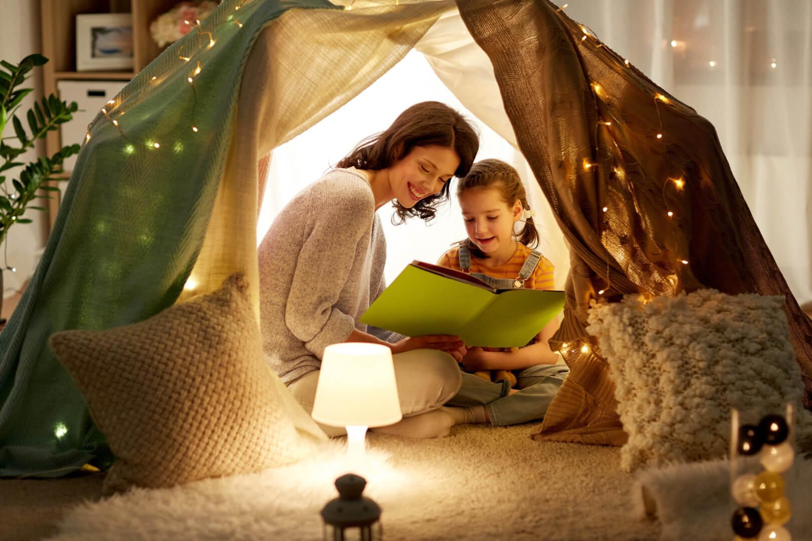 leuke uitjes in de meivakantie thuis een hut bouwen
